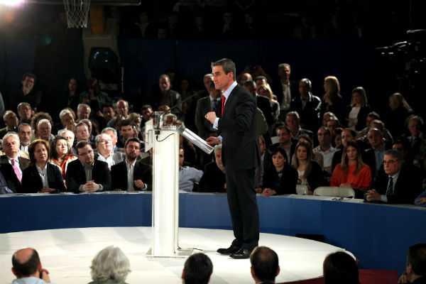 «Συμφωνία για τη Νέα Ελλάδα», το κόμμα του Ανδρέα Λοβέρδου, η ίδρυση του οποίου ανακοινώθηκε στο γήπεδο Σπόρτινγκ / Αθήνα, Δευτέρα 15 Απριλίου / fosphotos.com | Menelaos Myrillas