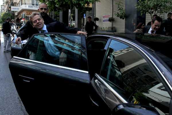 Ο Πολ Τόμσεν, επικεφαλής της τρόικας κατά τη συνάντησή του με τον Ευ. Βενιζέλο στα γραφεία του ΠΑΣΟΚ, Αθήνα, 09 Απριλίου / fosphotos.com | Menelaos Myrillas