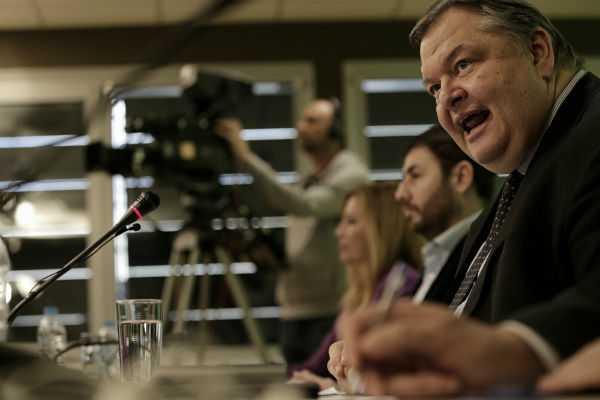 Ευάγγελος Βενιζέλος: «Εγώ αγωνίζομαι για την παράταξη, όχι για μένα», στην κοινή συνεδρίαση του Πολιτικού Συμβουλίο και της Κοινοβουλευτικής Ομάδας του ΠΑΣΟΚ / Αθήνα, Τρίτη 16 Απριλίου / fosphotos.com | Philippos Messinis