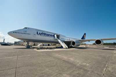 Boeing747-8-Lufthansa-2