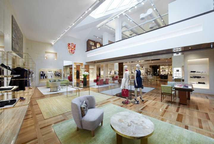 Louis-Vuitton-Maison-flagship-Venice-02