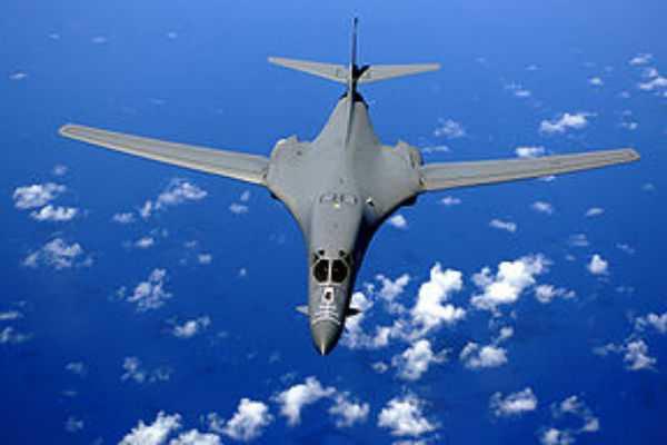 B-1B polemiko aeroskafos