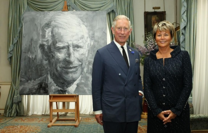prince charles and miriam ullens in front of Ming's portrait