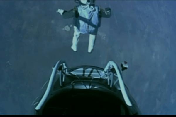 felix-baumgartner-jumps