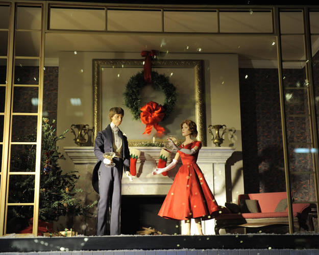 holiday-window-displays-04-lgn