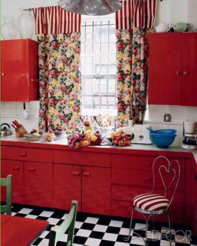 red-kitchen-lgn