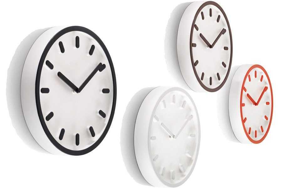 item15.rendition.slideshowWideHorizontal.wall-clocks-16-magis-tempo