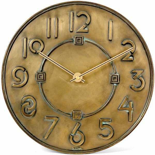 item7.rendition.slideshowWideVertical.wall-clocks-08-met-frank-lloyd-wright-exhibition-typeface