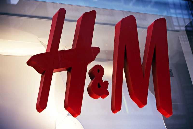 H&M clothing store in Manhattan