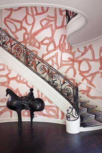 -BRUSHSTROKES A Kelly Wearstler interior with wallpaper by Porter Teleo.