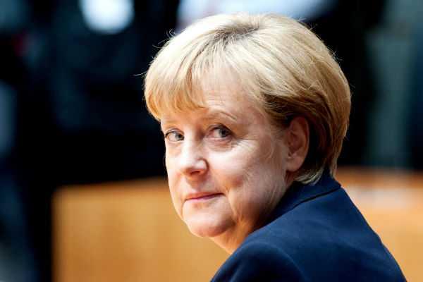 Μέρκελ: Η Ελλάδα πρέπει να κάνει μεταρρυθμίσεις