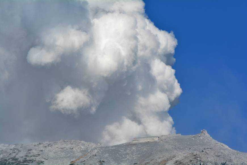 japan-volcanoA