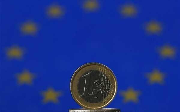 ellada-krisi-oikonomia-euro-eurozoni