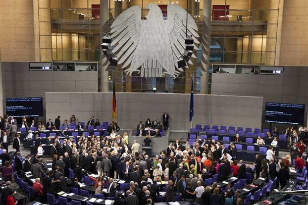 Εγκρίθηκε η παράταση του ελληνικού προγράμματος από τη γερμανική Βουλή