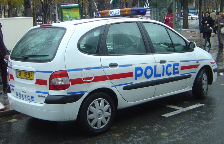 police-france-vehicle