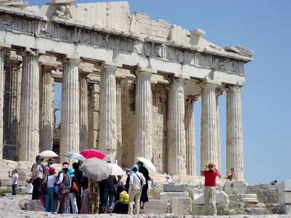 tourists-Athens