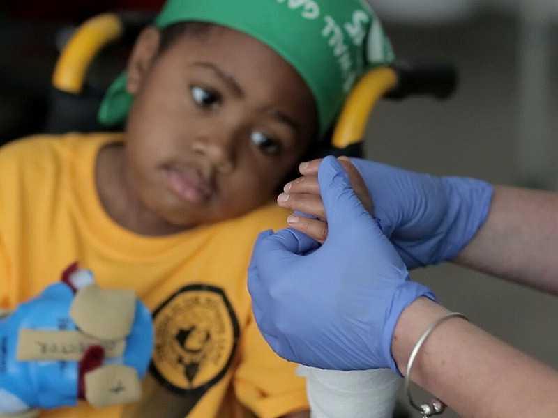 ou_150728_zion_chop_hand_surgery_child_800x600
