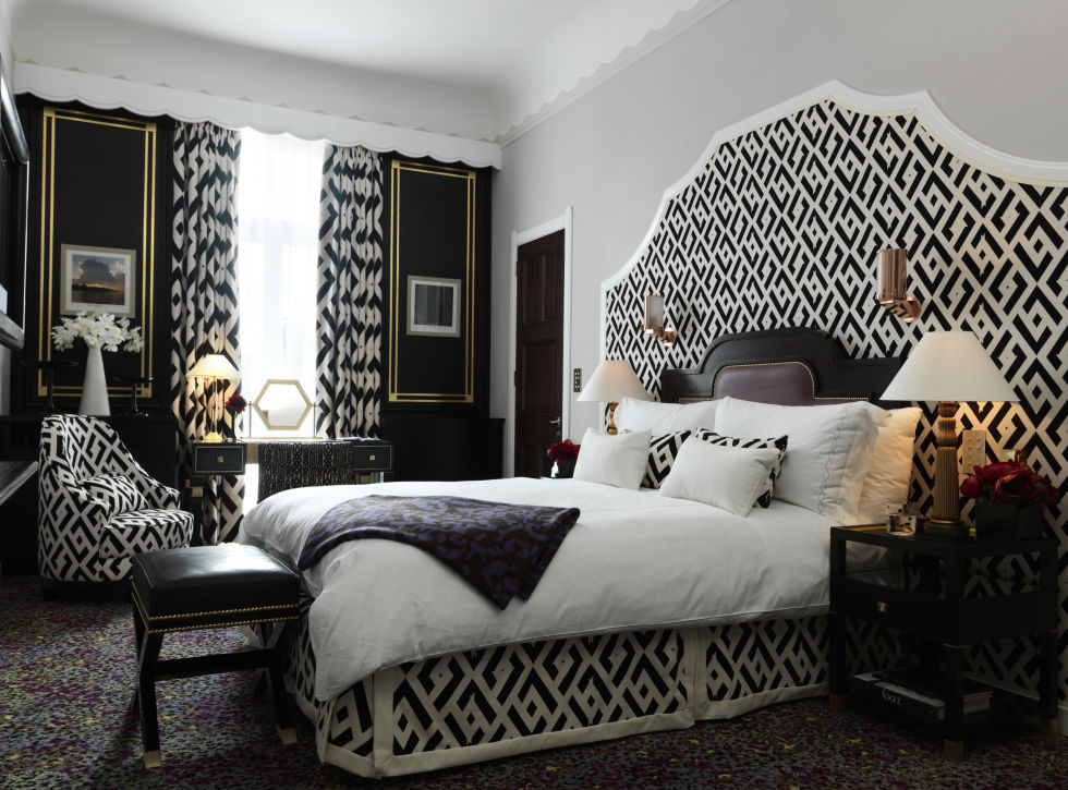 1444934287-dvf-guestroom-at-claridges