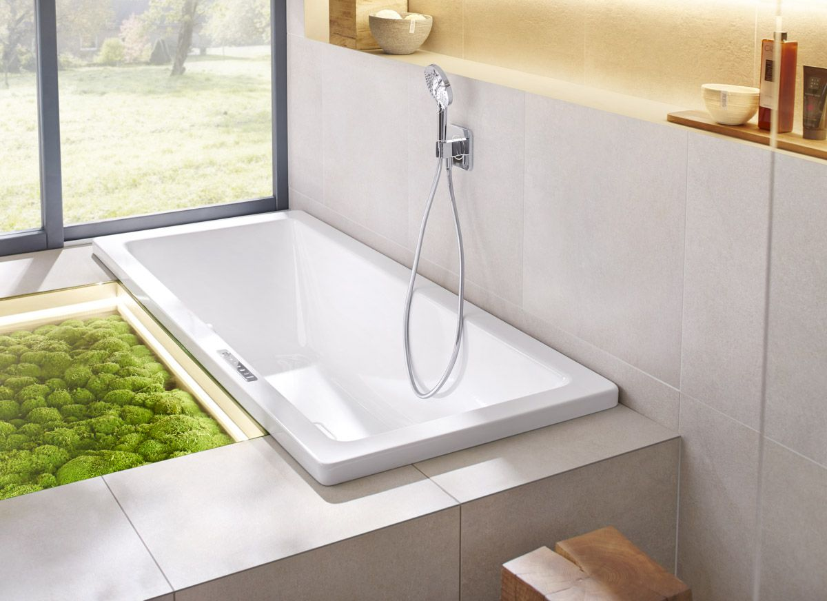 Green-Grass-closer-to-bathtub