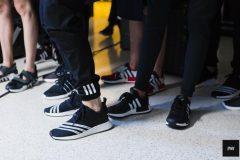 8ff5f5fbb02 ... παπούτσι του καλοκαιριού Siemens-Adidas δίνουν τα χέρια για τη διάθεση  αθλητικών ειδών